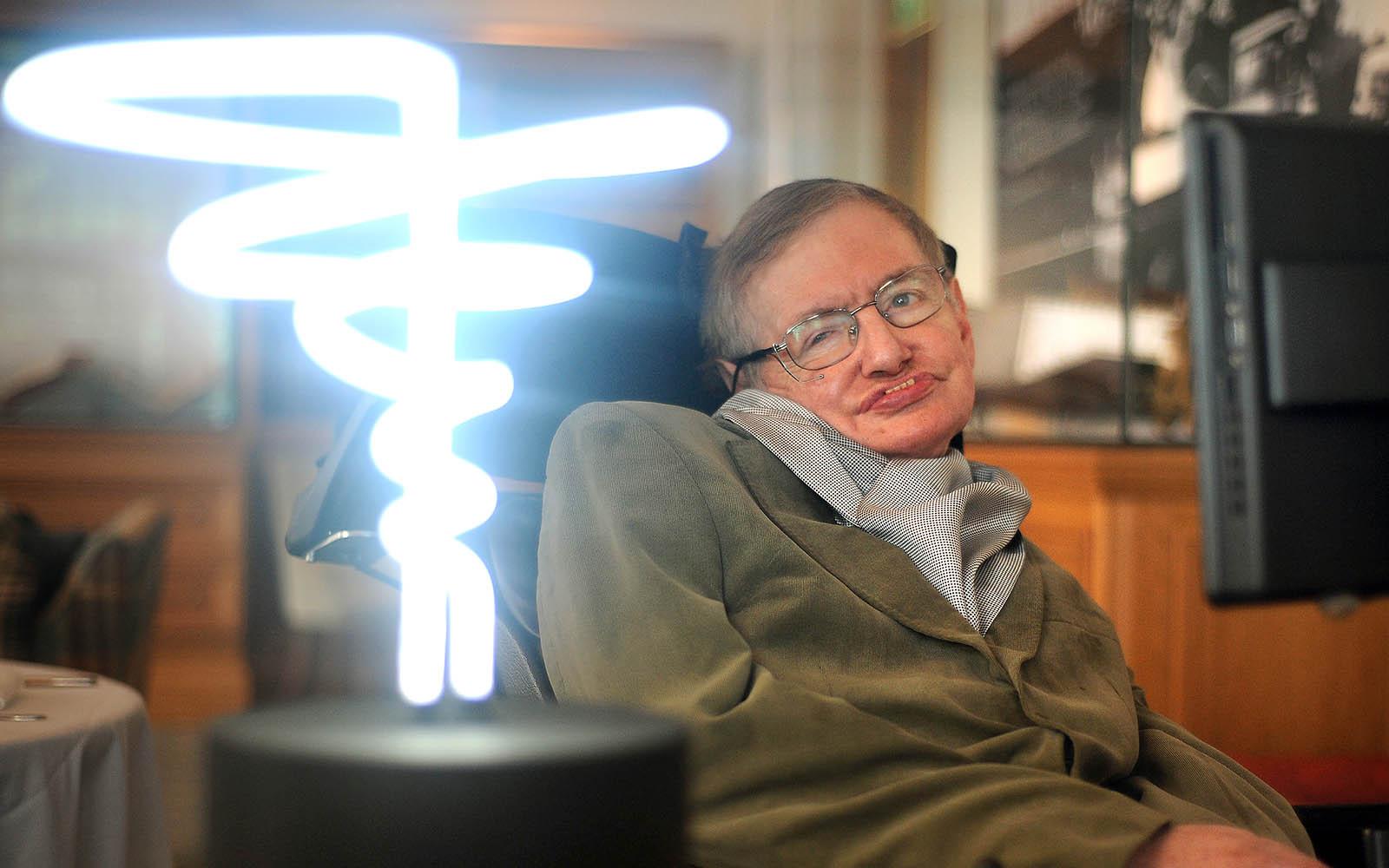 Black-Hole-Light-Hawking